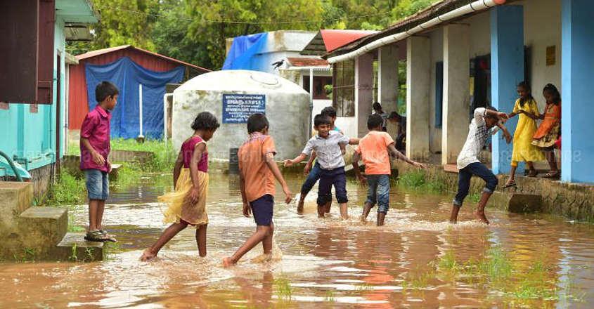 ഓറഞ്ച് അലെര്ട്ട്: നാളെ തൃശ്ശൂര് ജില്ലയിലെ വിദ്യാഭ്യാസ സ്ഥാപനങ്ങള്ക്ക് അവധി