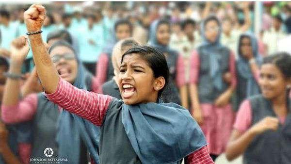ഷഹല ഷെറിന്റെ മരണം; സ്കൂളിന്റെ ശോചനീയാവസ്ഥ പുറത്തു കൊണ്ടു വന്ന നിദ ഫാത്തിമയ്ക്ക് യങ് ഇന്ത്യ പുരസ്കാരം