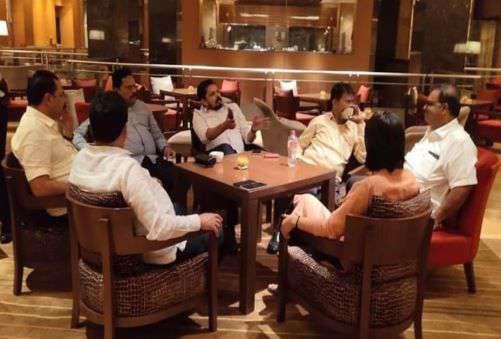'മഹാ'നാടകം: എന്.സി.പിയുടെ നാല് എം.എല്.എമാര് കൂടി ഡല്ഹിയില് നിന്ന് മുംബൈയിലേക്ക്