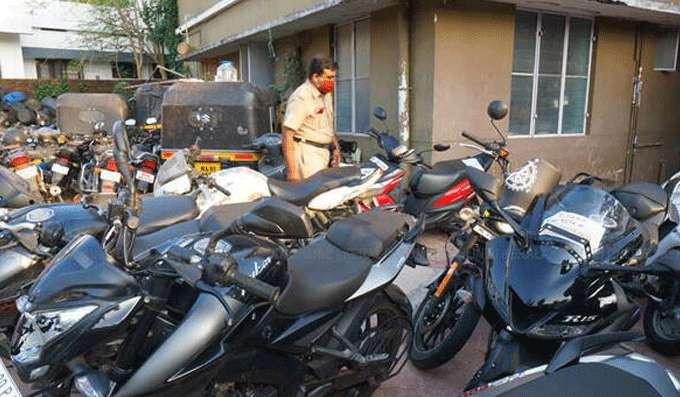 ലോക്ക്ഡൗണ്: പിടിച്ചെടുത്ത വാഹനങ്ങള് വിട്ടുനല്കാന് ജില്ലാ പോലീസ് മേധാവിമാര്ക്ക് നിര്ദ്ദേശം